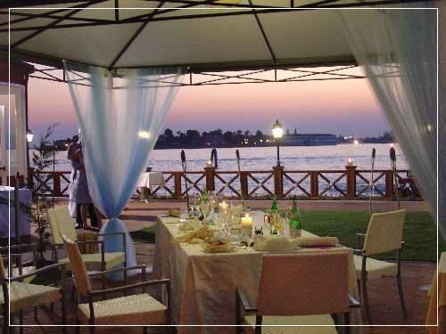 Villa Laguna Lido Restaurant